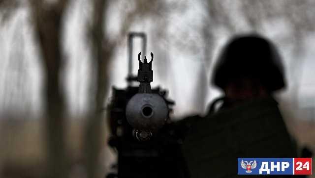 Два украинских силовика погибли из-за неосторожного обращения с оружием