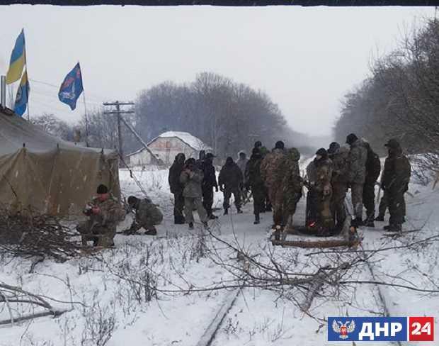 Ветераны «АТО» захватили еще один участок железной дороги в Луганской области