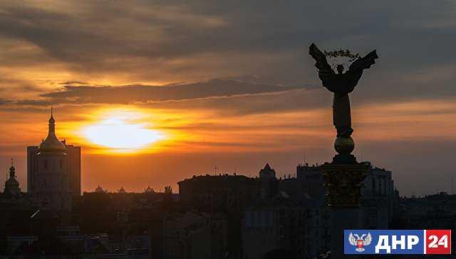 В Киеве пригрозили санкциями посетившим Крым европейским политикам