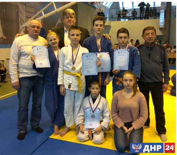 Дзюдоисты из ДНР взяли восемь золотых медалей на соревнованиях в РФ