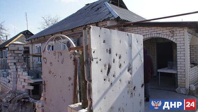 В Ирмино и Стаханове в ЛНР из-за обстрелов повреждены дома