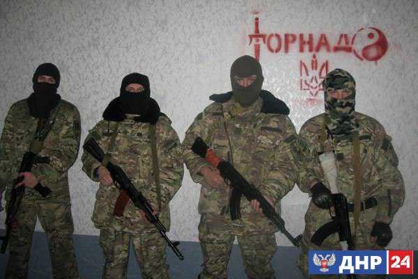 Турчинов признался, что отправлял на фронт уголовников и лично раздавал им оружие