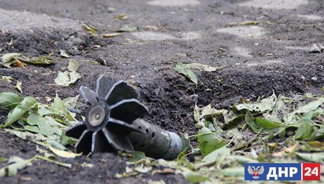 Силовики пять раз за сутки нарушили режим прекращения огня, заявили в ЛНР