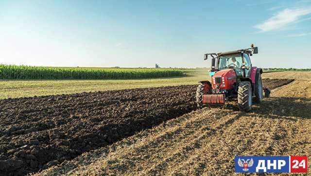 В Донбассе тракторист подорвался во время сельхозработ на поле
