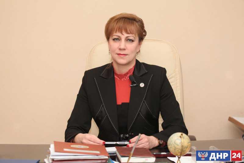 Средняя по ДНР заработная плата за год выросла на 22% – Толстыкина