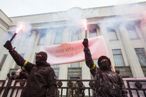 Украина спешно закладывает бомбу под Минские договорённости