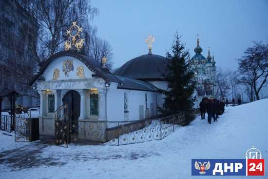 Националисты в Киеве хотят уничтожить церковь «в интересах украинского народа»