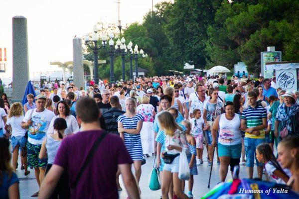 Вопрос «Чей Крым?» волнует менее 6% жителей Украины